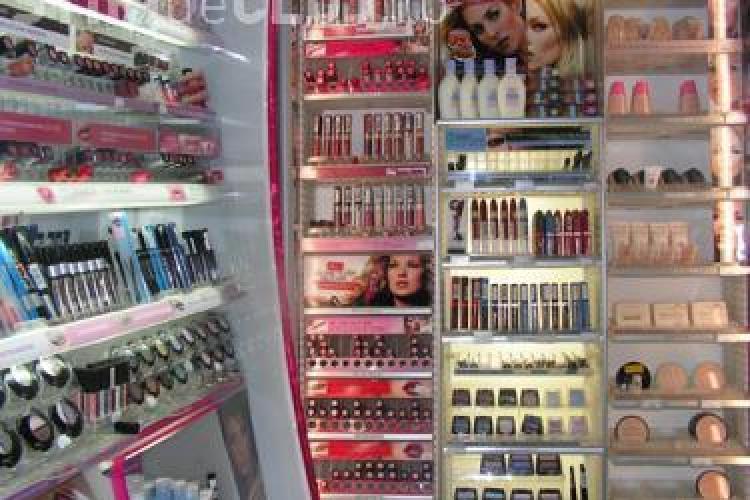 TOP 5 ingrediente DEZGUSTĂTOARE din produsele cosmetice