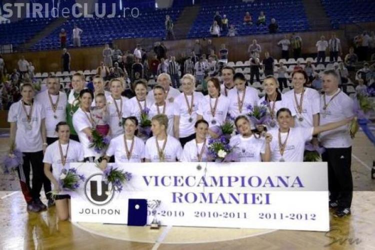 """Fanii """"U"""" Jolidon, încrezători în echipă: Echipa de handbal feminin îşi va păstra titlul de vicecampioană"""
