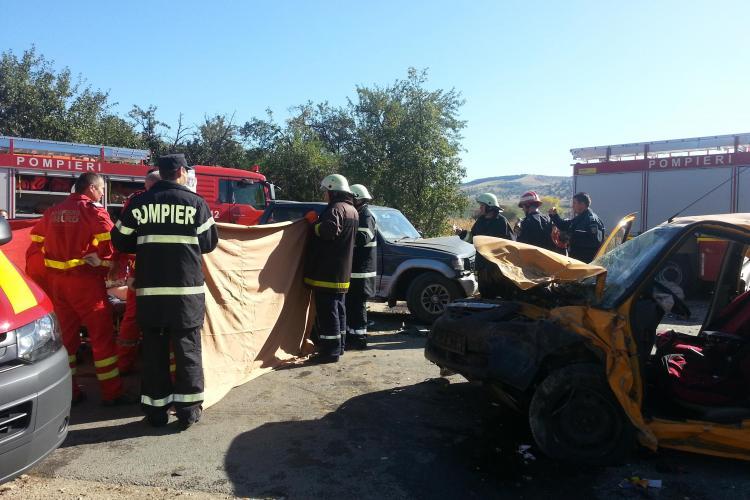 Accident între Săvădisla şi Vlaha! O persoană a murit, iar alte trei sunt rănite - FOTO