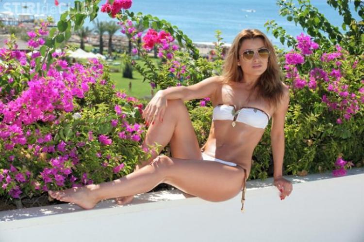 Elena Gheorghe, sexy în luna de miere din Turcia  Galerie FOTO