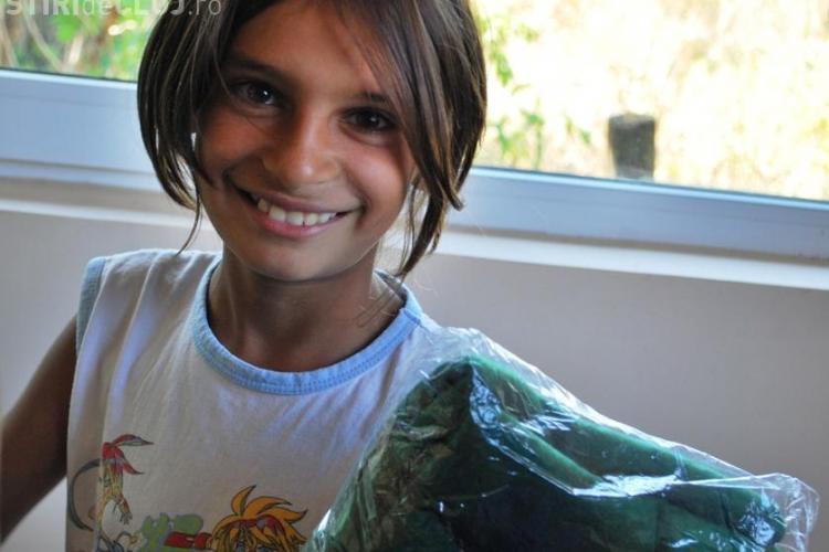 World Vision a dus rechizite copiilor de romi din Năoiu, comuna Cămărașu
