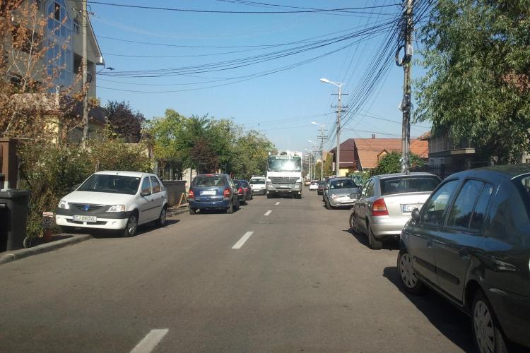 Mașinile de gunoi de la Brantner - Vereș blochează traficul. Un șofer care s-a revoltat a fost făcut NETREBNIC - FOTO