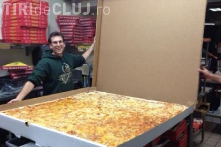 Cea mai mare pizza din lume vine din Los Angeles
