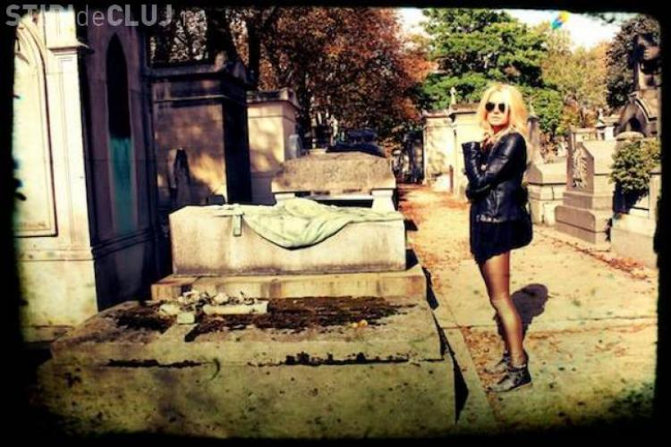 Laura Cosoi s-a forografiat în cimitir - FOTO