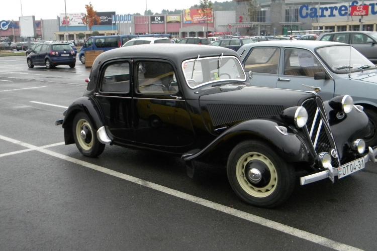 Parada mașinilor de epoca revine la Cluj-Napoca în acest weekend. Organizatorii aduc 40 de autoturisme din anii '30, '40 și '50.