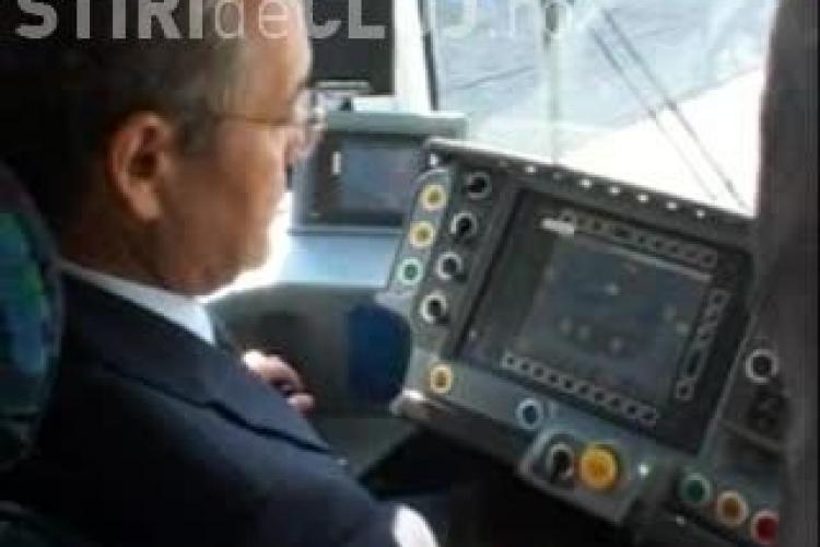 Boc a condus noul tramvai VIDEO