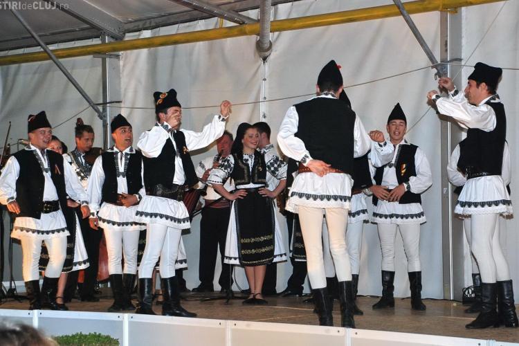 Festival de tradiţii populare pe platoul Sălii Sporturilor, în cadrul Septemberfest