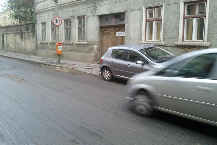 Fetiță călcată de o mașină de poliție pe strada Constanța. Șefii IPJ au sosit la locul accidentului și au făcut SCANDAL - VIDEO