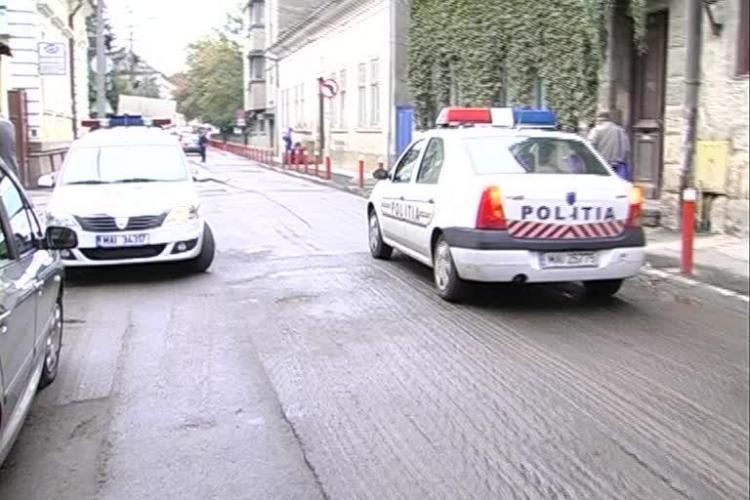 Fetiță lovită de o mașină de Poliție la Cluj. Vezi ce spun martorii - VIDEO
