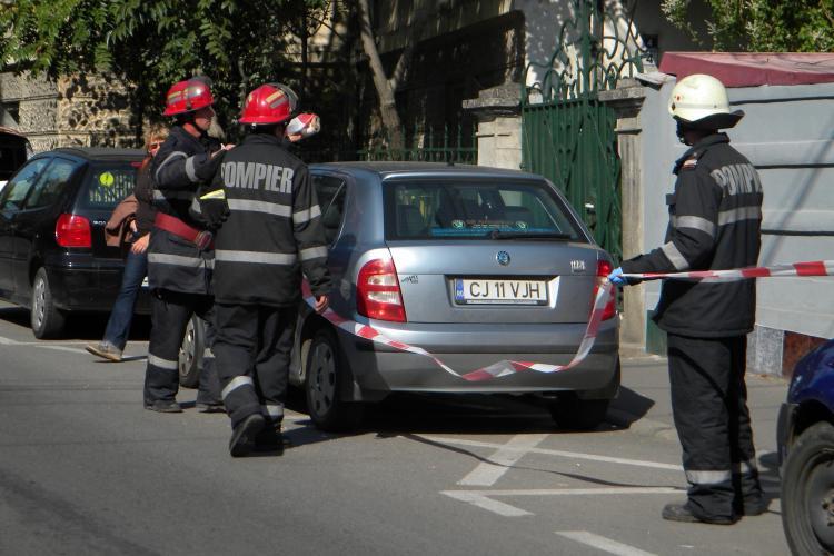 EXPLOZIE pe strada Emil Racoviță! O sobă a răbufnit, iar o bătrână a fost rănită - FOTO și VIDEO