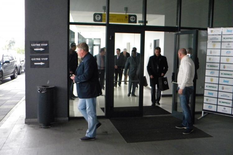 """Cumpărătorii U Cluj au vizitat Cluj Arena. Ioan Mărginean amenințat de suporteri: """"Avem cinci investitori la U Cluj"""" - VIDEO"""