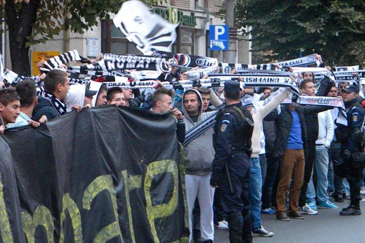 Trei suporteri U Cluj au dosare penale în urma mitingului de joi