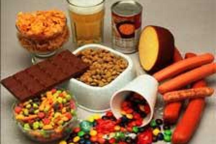 10 aditivi care trebuie evitați cu orice preţ. Unii sunt cancerigeni
