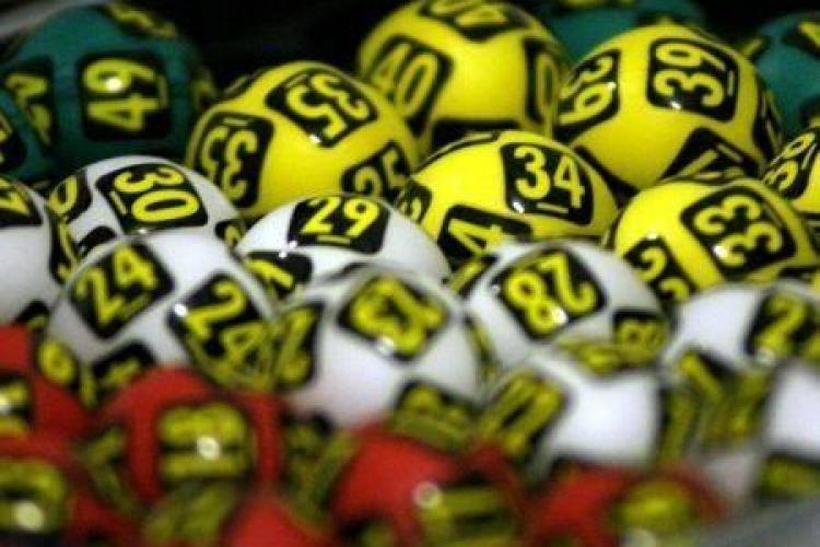 Serverul Loteriei a CEDAT. Tragerea de duminică, Loto 6/49 ar putea fi ANULATĂ