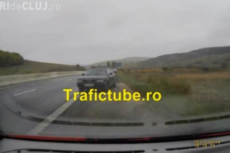 Accident filmat LIVE la Mărtinești de un șofer. O mașină a derapat și era să spulbere alt autoturism - VIDEO ȘOCANT