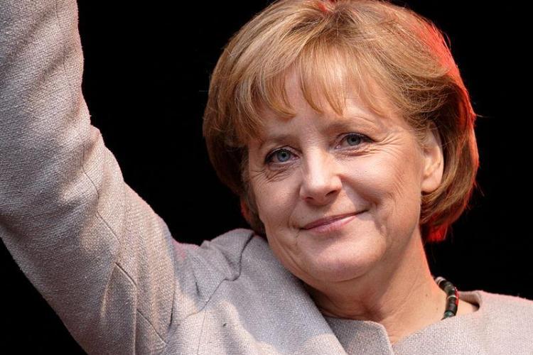 Merkel, la București: Preşedintelui Băsescu nu i-a fost frică să se gândească la viitor