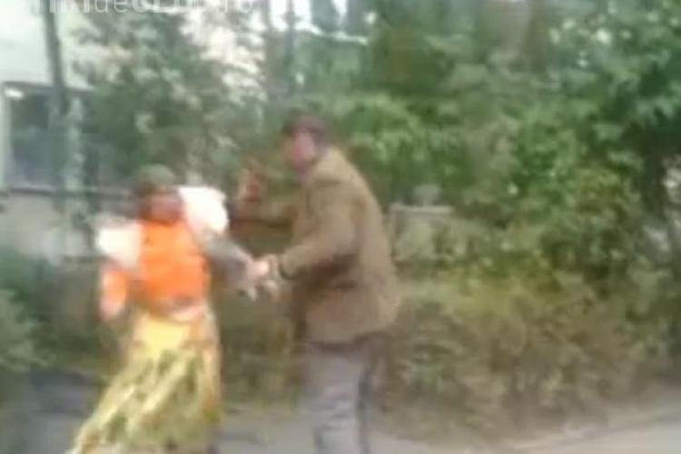 Tiganii se bat pe Nicolae Titulescu și nimeni nu îi ia la rost - VIDEO