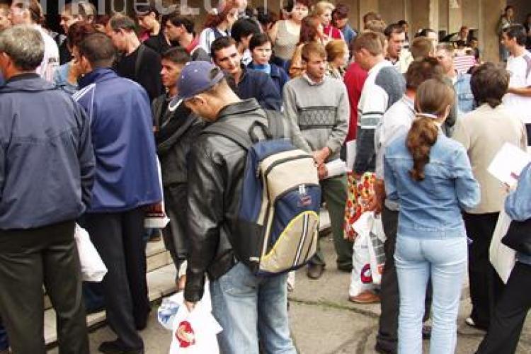 2,1 MILIARDE euro pe an: Atât ne costă tinerii fără serviciu