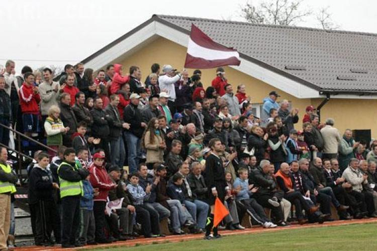 CFR Cluj a petrecut cu friptură, cârnați și pălincă la Sâncraiu. Echipa a inaugurat stadionul sătesc - FOTO