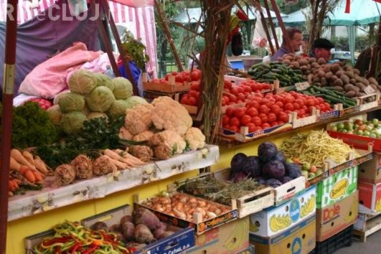 Producător fals evacuat din Piața Zorilor. Vindea produse agricole cumpărate din Centrul Agro Transilvania Cluj