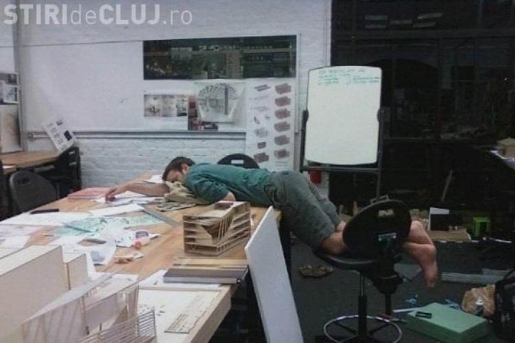 Top 4 metode să nu adormi la birou