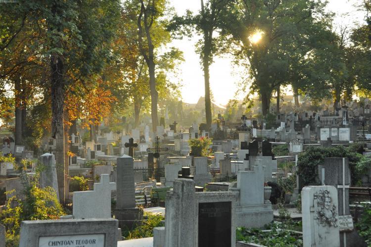 Amenzi pentru cei care intră în cimitire în ținută sumară. Regulamentul de organizare a cimitirelor din Cluj-Napoca, supus dezbaterii publice