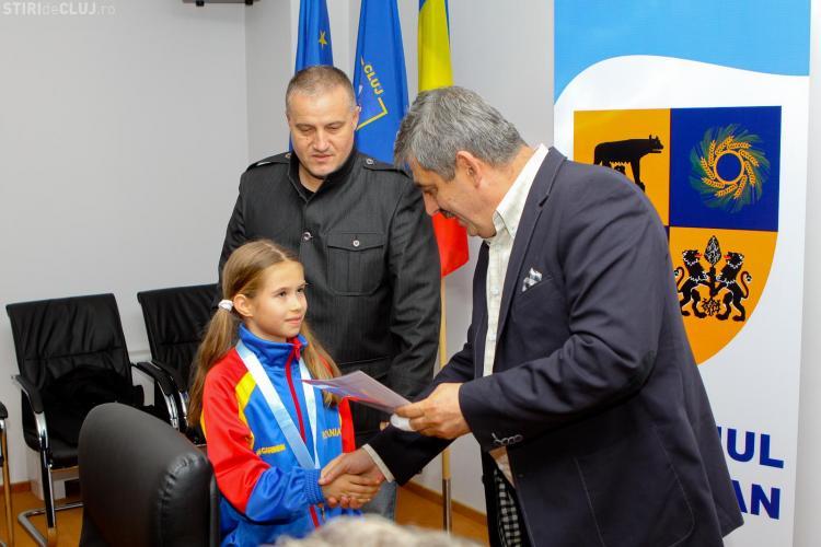 Sportivii medaliaţi cu aur la Campionatul Mondial de Karate de la Novi Sad au fost premiați
