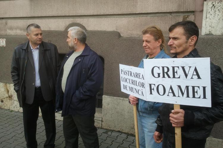 Mircia Giurgiu a întrat în GREVA FOAMEI în fața Prefecturii Cluj - VIDEO