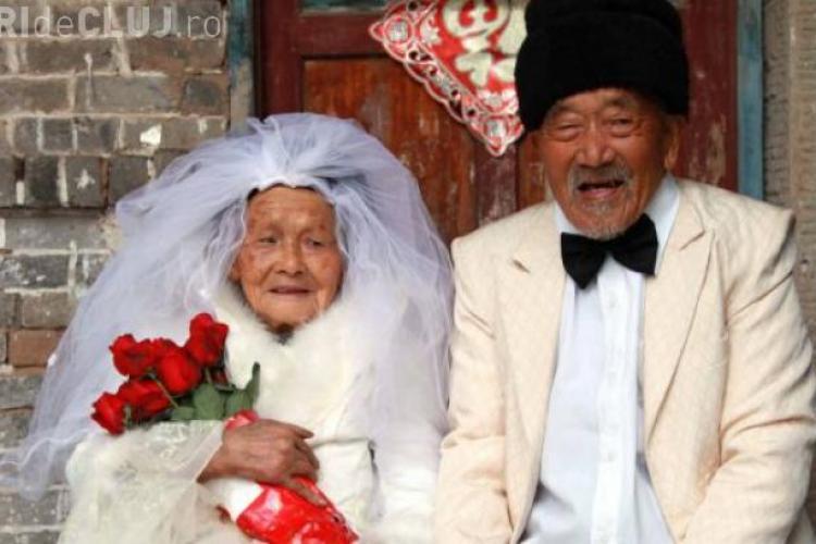 O chinezoaică de 103 ani a îmbrăcat rochia de mireasă - FOTO