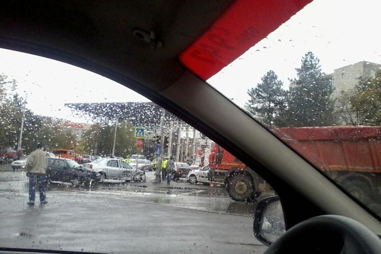 Accident lângă Iulius Mall, pe strada Teodor Mihali - FOTO