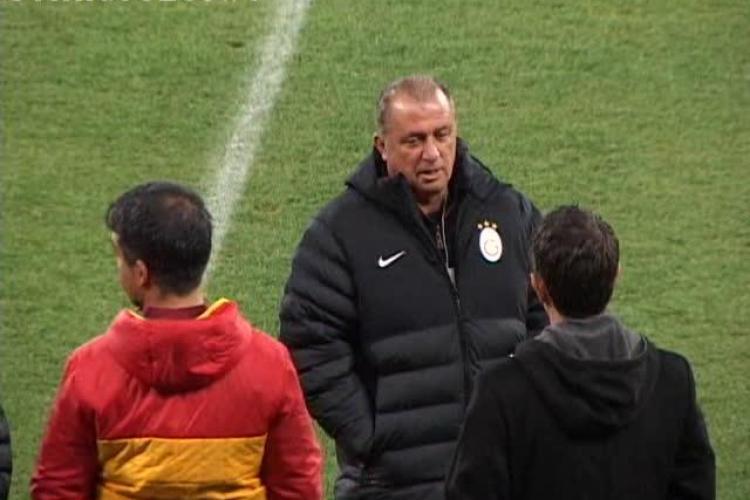 Galatasaray a făcut, marți seara, antrenamentul oficial. Fatih Terim, plictisit - VIDEO