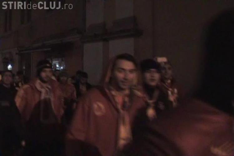 """Suporterii Galata, pe străzile Clujului: """"I love you HAGI!"""" - VIDEO"""
