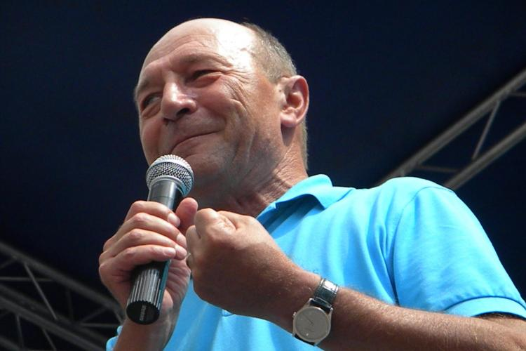 Băsescu împlineşte 61 de ani. Cine l-a felicitat în avans