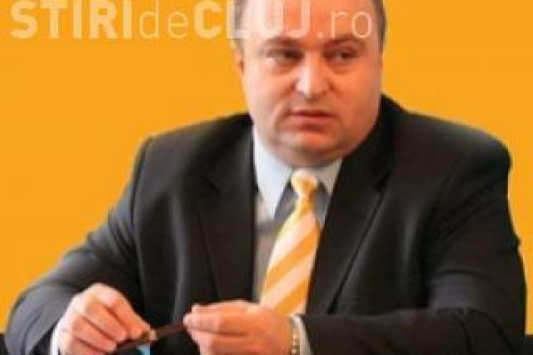 Petru Călian acuză USL: Îşi face campanie pe banii studenţilor