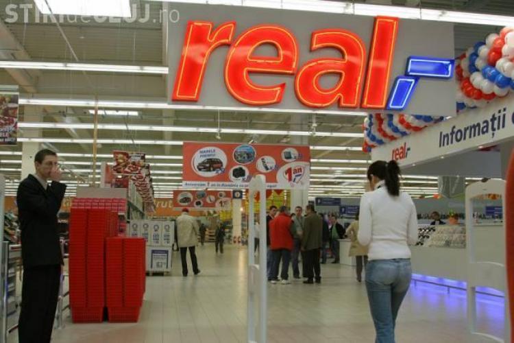 Sindicatele vor închiderea magazinelor în 1 Decembrie, 1 ianuarie, prima zi de Crăciun şi Paşte. Acuzațiile vizează REAL Hypermarket