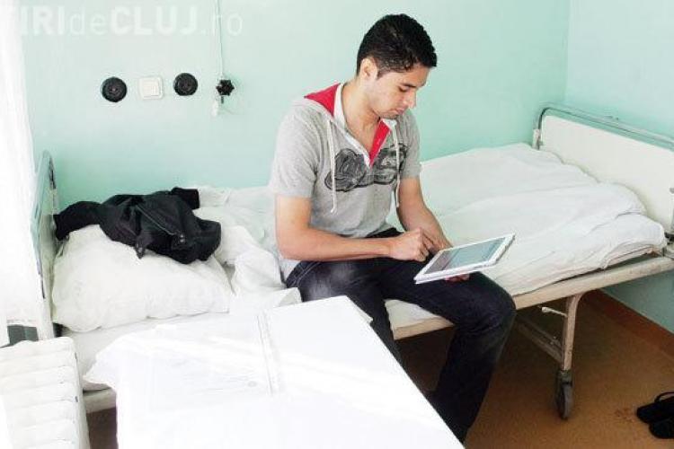 Jucător de la U Cluj, evacuat din apartament pentru că nu și-a plătit chiria. Locuiește acum în SPITAL