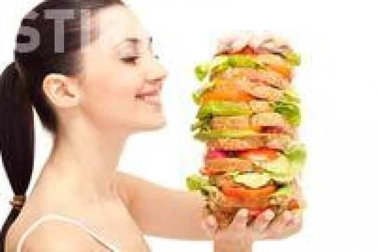 Slăbeşte fără dietă. 6 sfaturi utile pentru a-ţi modifica planul alimentar