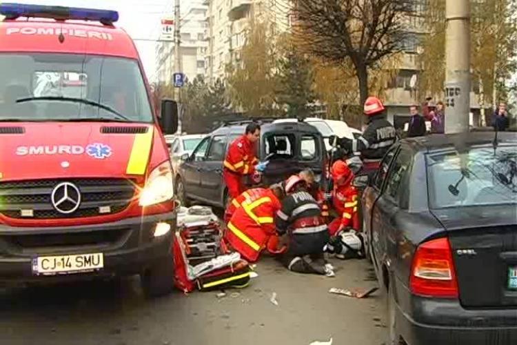 Accidentul de pe Calea Mănăștur surprins LIVE. Imagini ȘOCANTE cu bărbatul lovit în plin - EXCLUSIV