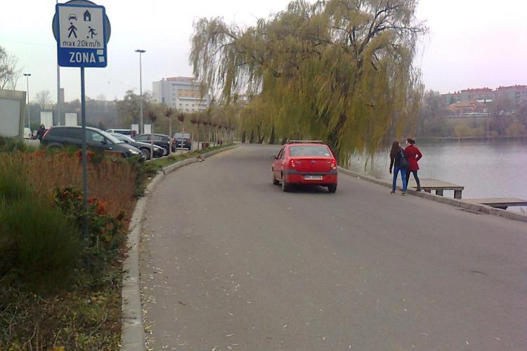 Sensul unic din zona Iulius Mall - lacul Gheorgheni criticat! Soluția ar fi interzicerea traficului - FOTO