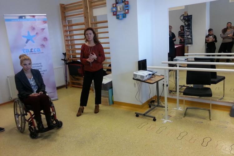 Luptătoarea din scaunul cu rotile! O clujeancă de 26 de ani a înființat un centru de recuperare medicală