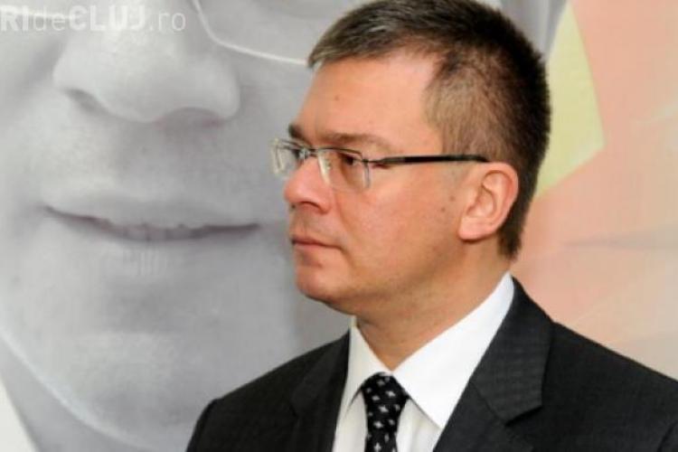 Antonescu: Serviciile speciale să nu se amestece în politică