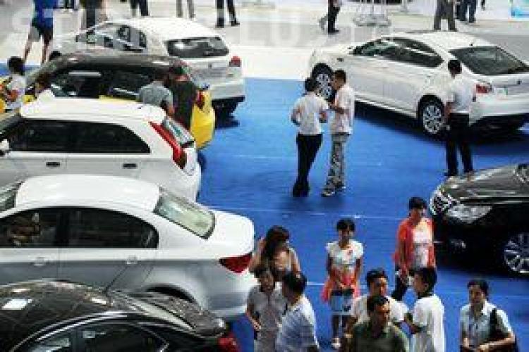 Scădere de 13,4% pe piaţa auto din România