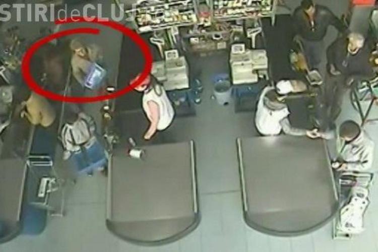 Bătrânica hoață din Gherla a returnat portofelul cu 1.500 de lei - VIDEO