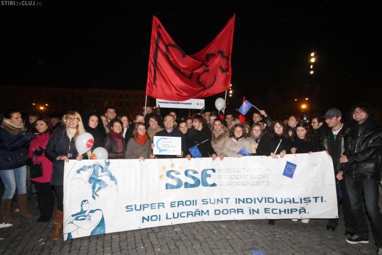 Moment ISTORIC! Cluj-Napoca va fi Capitala Europeană a Tineretului în 2015. Succesul, sărbătorit în Piața Unirii - FOTO