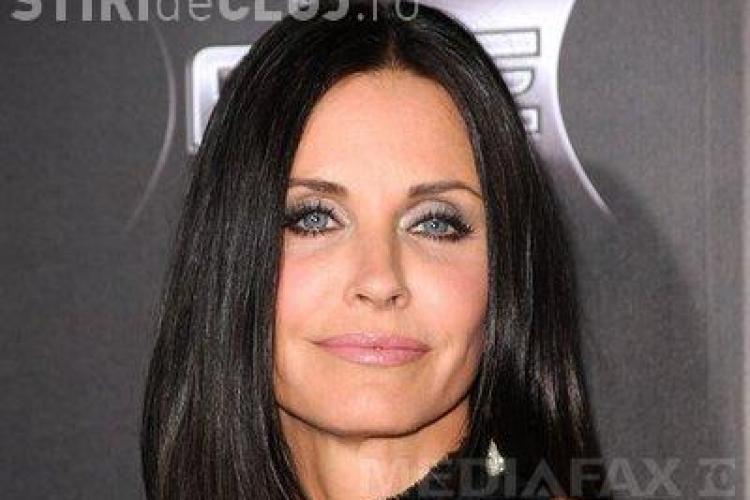 """Cum arată Courteney Cox, Monica din """"Friends"""" la 48 de ani - FOTO"""