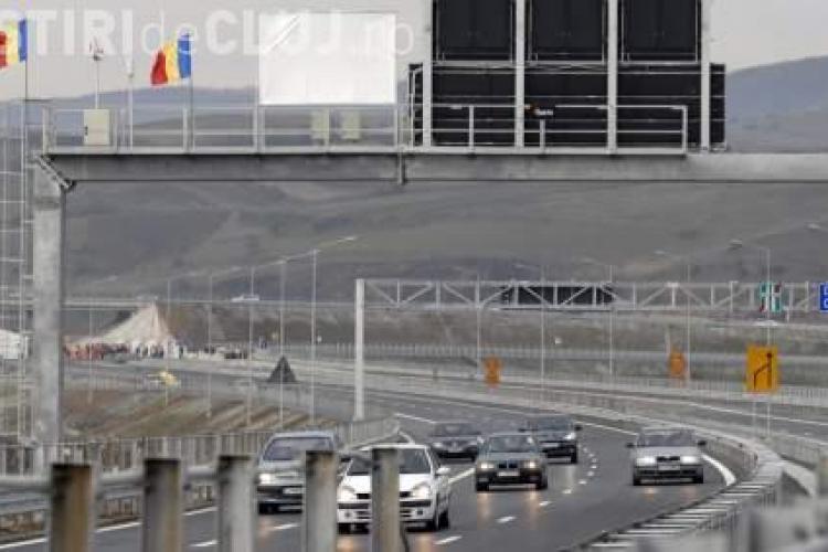 Un autocamion a luat foc pe autostrada Transilvania, la kilometrul 20