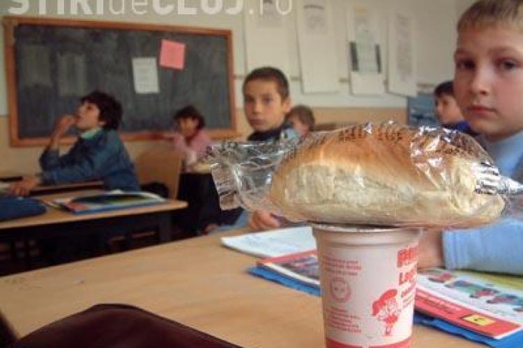 """Produsele de panificatie din programul """"Cornul si laptele"""" vor costa la Cluj 12 milioane de lei pentru urmatorii 3 ani"""