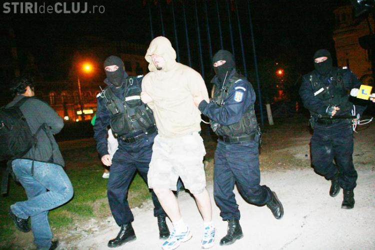 Bataie generalizata intre fanii lui U Cluj, cei ai Stelei si jandarmi