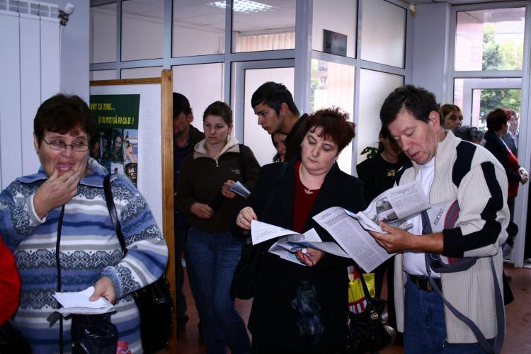 Guvernul a decis sa concedieze aproape 60.000 de bugetari, majoritatea din administratia locala
