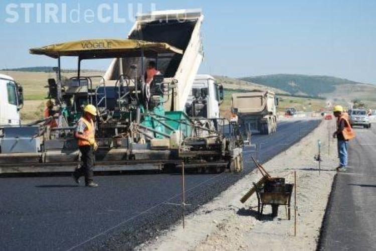 Autostrada Transilvania: Se toarna asfalt pe tronsonul de 10 kilometri dintre Turda si Campia Turzii